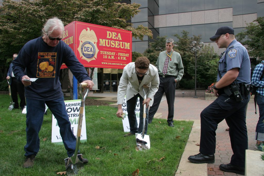 Will Allen & Adam Eidinger plant hemp at DEA headquarters